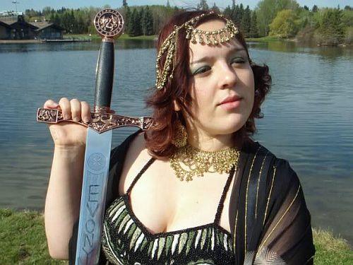 Queen of Evony 4